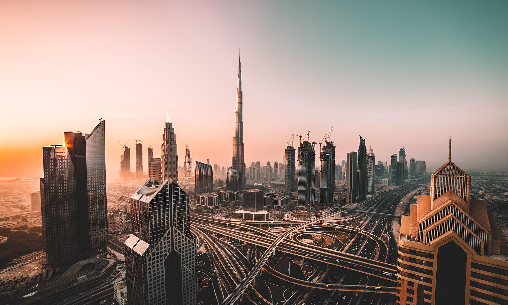 Luxury Emirates Break: Sands & Skyscrapers
