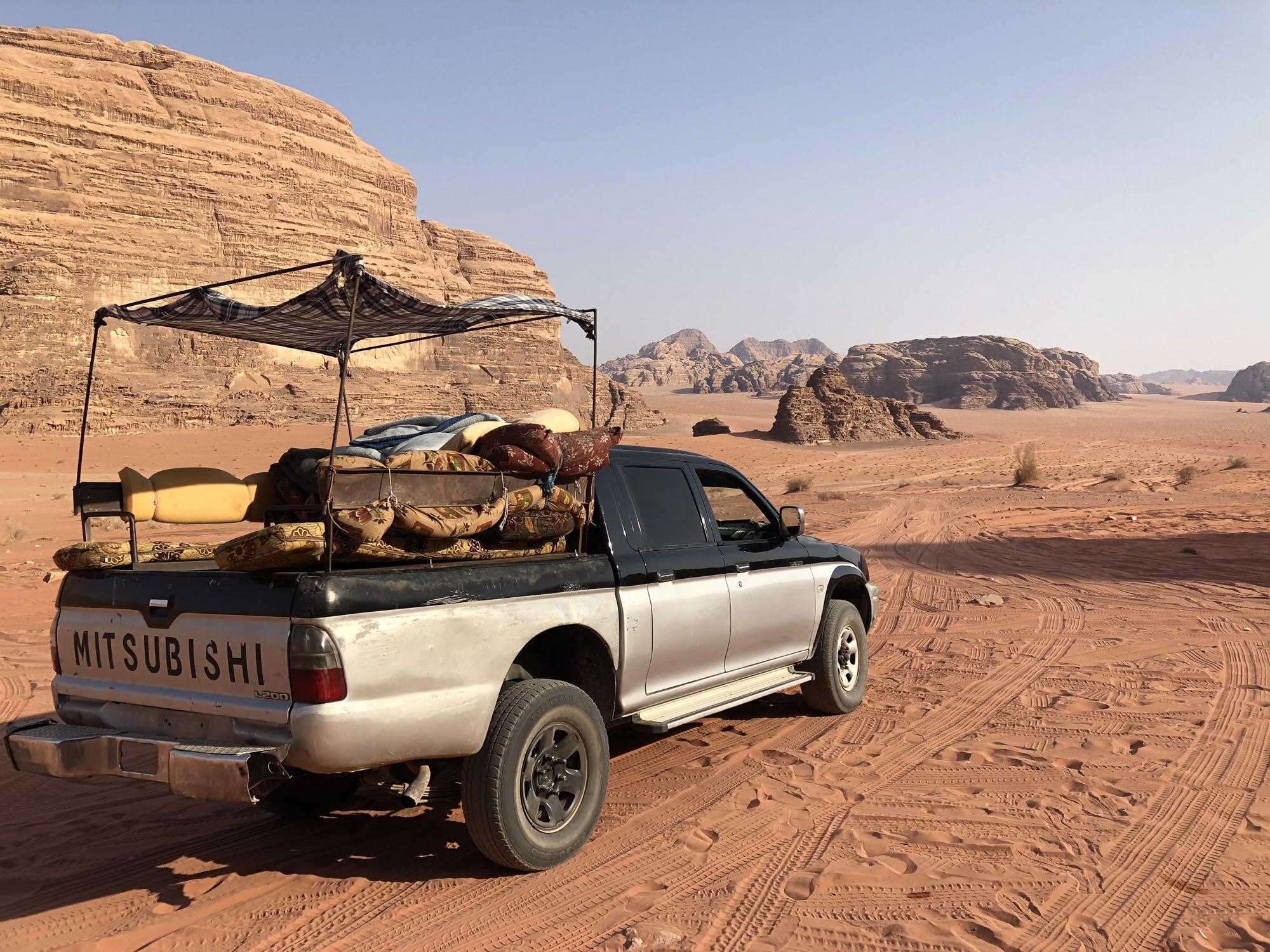 Wadi Rum Woestijn Jeep